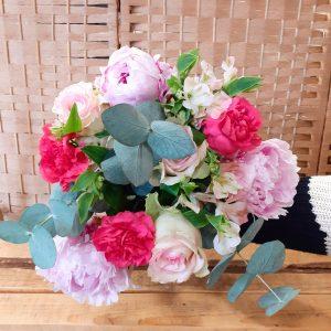 bouquet pivoines et roses